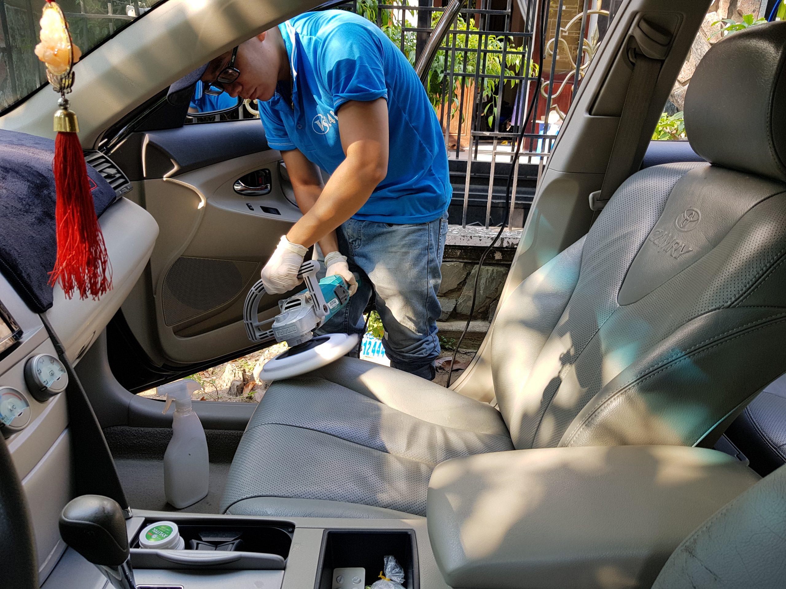 Dịch vụ vệ sinh bảo dưỡng ghế ô tô